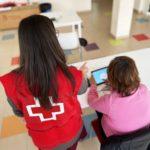 Cruz Roja busca voluntarios/as para romper la brecha digital de las personas mayores